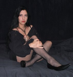 bri-in-fishnet-two-11-12-08