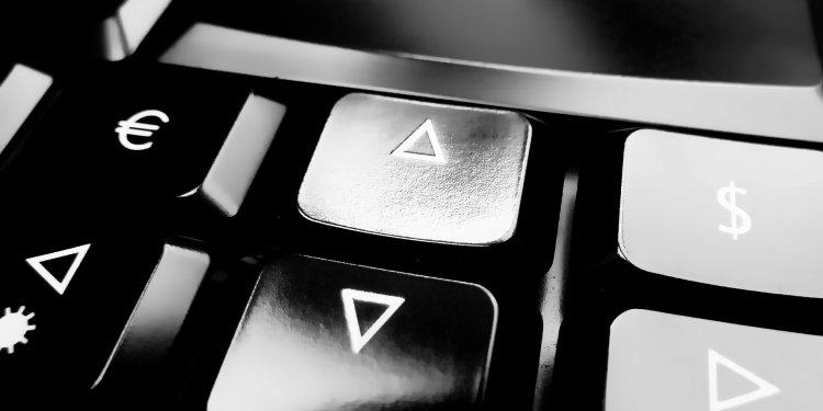 Computer Keyboard Shift Keys - Image: Public Domain, Pixabay