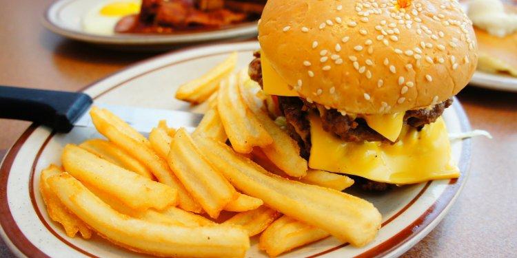 Food Burger Fries - Image: Public Domain, Pixabay