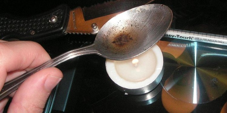 Heroin Drugs Spoon Image: Public Domain, Wikimedia Commons