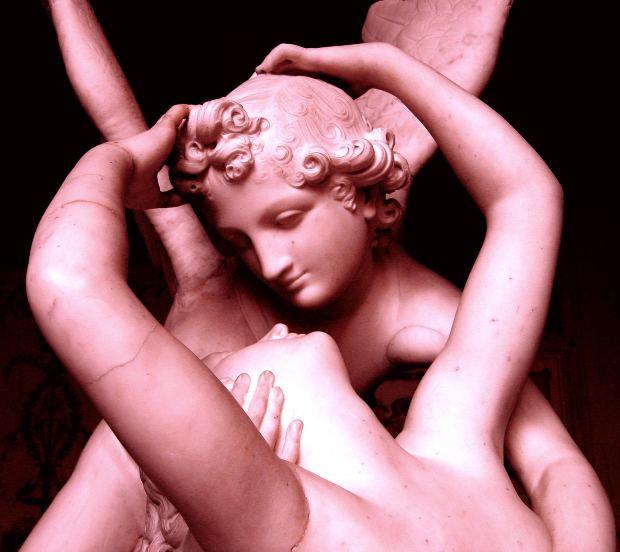 Statue Angel Kiss Love - Image: Public Domain, Morguefile