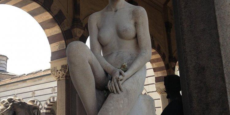 statue art nude woman