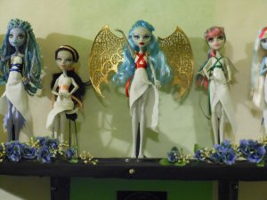 Monster High Doll Greek Goddess Shelf 3