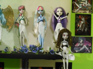 Monster High Doll Greek Goddess Shelf 4