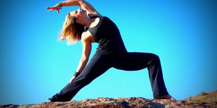 Woman Yoga Pose Outside - Image: Public Domain, Pixabay
