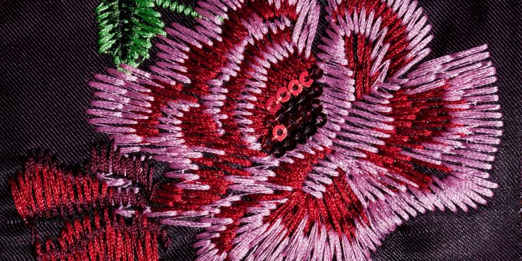 Rose Flower Embroidery - Image: Public Domain, Pixabay