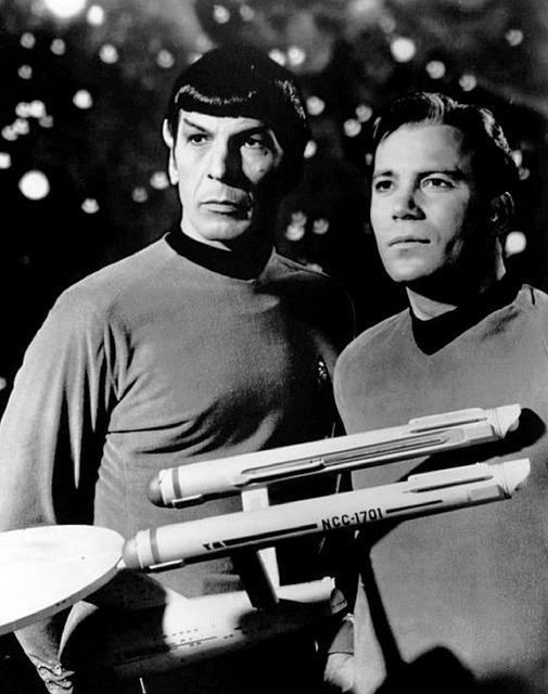 Star Trek Leonard Nimoy William Shatner Kirk Spock Enterprise - Image: Public Domain, Pixabay