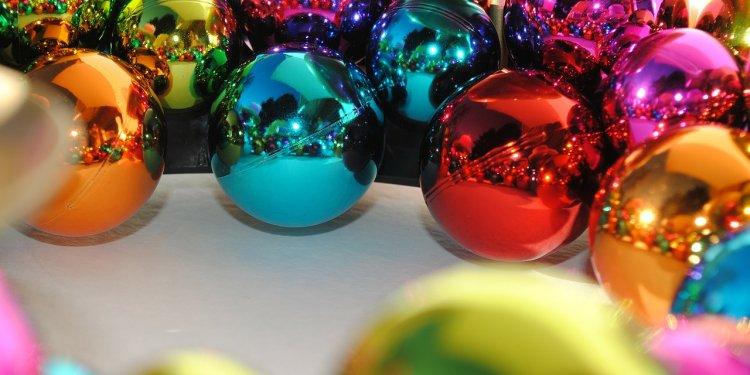 Ornaments party holiday decoration - Image: Public domain, Pixabay