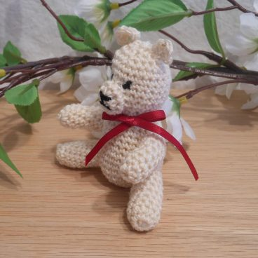 Amigurumi Kawaii Cream Teddy Bear White Red Ribbon Cute Crocheted Figure side