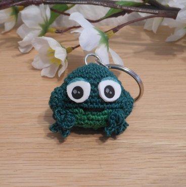 Amigurumi Kawaii Frog Amphibian Green Cute Crocheted Keychain