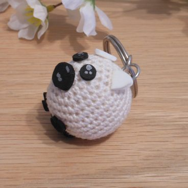 Amigurumi Kawaii Sheep Lamb White Cream Cute Crocheted Keychain side
