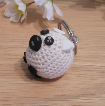 Amigurumi Kawaii Sheep Lamb White Cream Cute Crocheted Keychain side