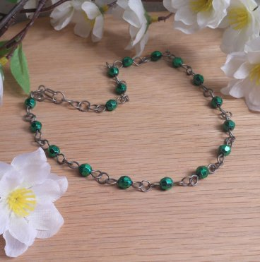 Choker Necklace Metallic Green Faceted Beads Steel Chain Link Formed Clasp