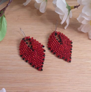 Earrings Black Red Glass Russian Leaf Beaded Steel Kidney Wire Hook Earwire