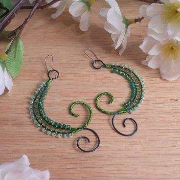 Handcrafted Green Wire Weave Beads Swoop Kidney Earrings Elvalien