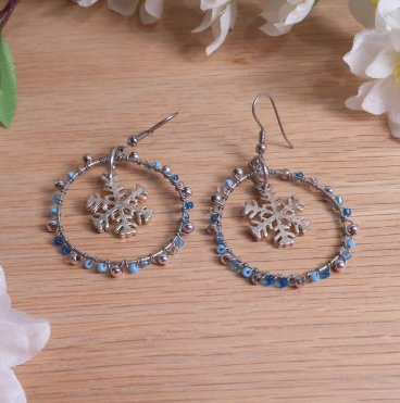 Necklace Earrings Set Wire Weave Beads Snowflake Icy Colors Frozen Blue and Silver 3