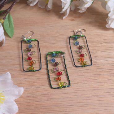 Pendant Earrings Set Flowers Trellis Beaded Green Wire