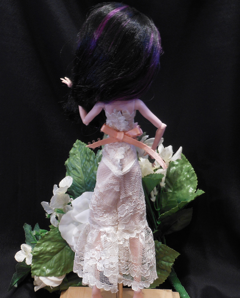 5 Piece Doll Wedding Dress Peach and White Beautiful Monster Fashion Doll Outfit Gown Veil Rings Bouquet