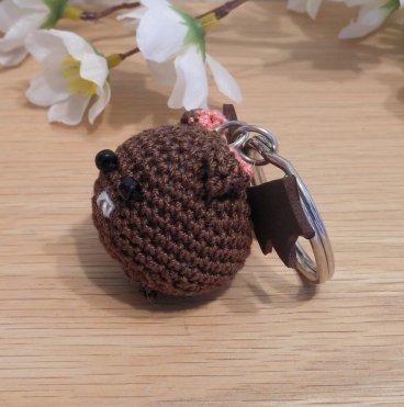 Amigurumi Kawaii Vampire Bat Desmodontinae Brown Cute Crocheted Keychain side