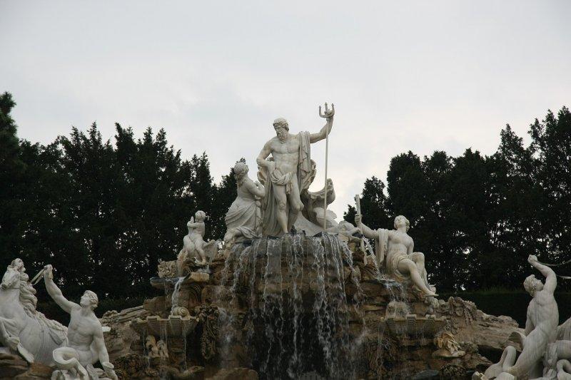 Gods Zeus Deity Statue Fountain - Image: Public Domain, Pixabay