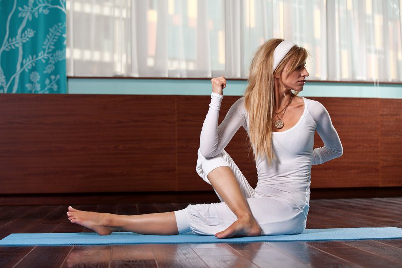 Yoga Woman Twist Pose - Image: Creative Commons, Wikimedia Commons