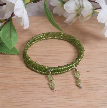 Bracelet Peridot Gemstone Dangle Glass Bead Adjustable Memory Wire