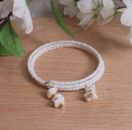 Bracelet Puka Shell Gemstone Dangle Glass Bead Adjustable Memory Wire
