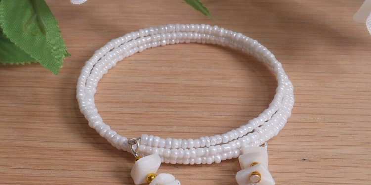 Bracelet Puka Shell Gemstone Dangle Glass Bead Adjustable Memory Wire