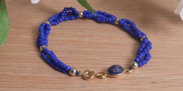Bracelet Scarab Three Strand Braided Beads Blue