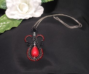 Red and Black Amphora Necklace