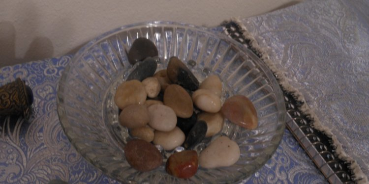 altar stones rocks healing magic pagan