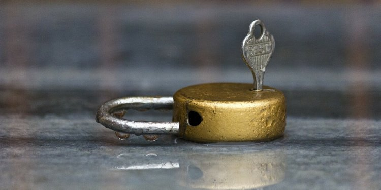lock key safe security private