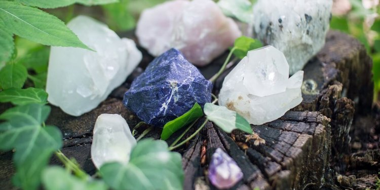 crystal gemstone rock quartz magic spell pagan spiritual